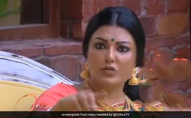 Viral Video: बिग बॉस के घर में आरती सिंह ने लिया कोयना मित्रा से पंगा, तभी कंटेस्टेंट ने चल दी यह 'चाल'-देखें वीडियो