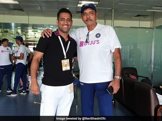 क्या MS Dhoni टी20 वर्ल्डकप की भारतीय टीम में होंगे, कोच Ravi Shastri ने दिया यह जवाब...