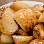 5 Amazing Ways To Cook With Roasted Garlic