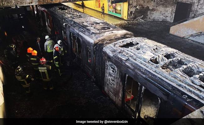 मेट्रो का किराया बढ़ने पर इस देश में हुए दंगे, 208 लोग घायल और 12 की मौत