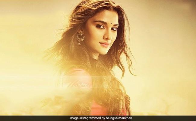 Dabangg 3: Salman Khan Introduces Saiee Manjrekar As The 'Innocent' Khushi