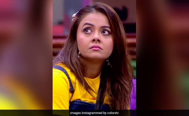 Bigg Boss 13 Written Update, October 15, 2019: Devoleena Bhattacharjee And Shehnaz Gill Fight Over Paras Chhabra