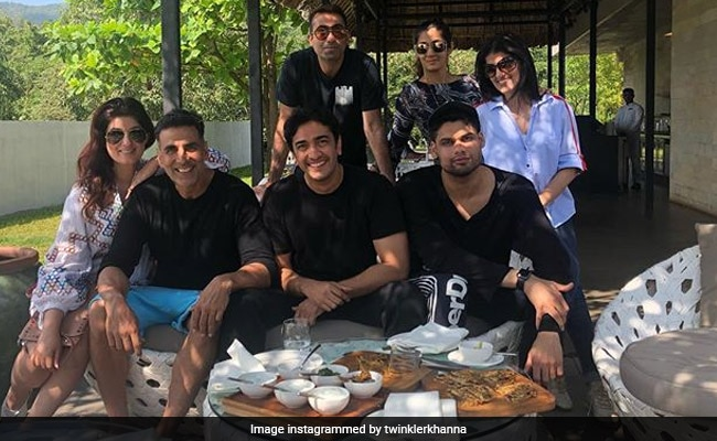 Inside Twinkle And Akshay Kumar's Fam-Jam With Karan Kapadia And Others