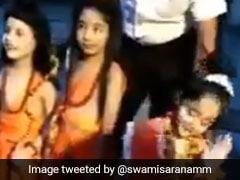 'माता सीता' बनी छोटी बच्ची ने ढोल पर किया खूबसूरत डांस, देखें Viral Video