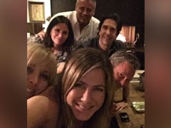 Jennifer Aniston Makes Instagram Debut With This 'F.R.I.E.N.D.S' Pic. Could We Be More Happy?