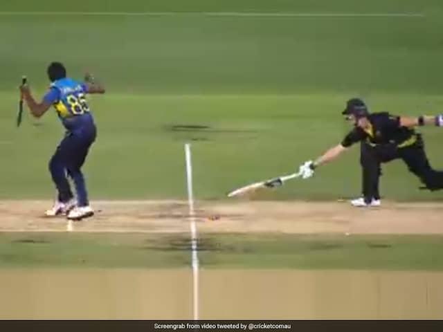 Australia vs Sri Lanka: Sri Lanka Bowlers Howler Lets Steve Smith Survive Run-Out Chance. Watch Video