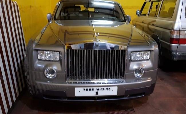 2 Rolls Royce Among Dozen Cars Of HDIL Promoters Seized In Mumbai Raids