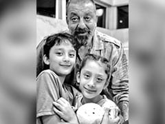 Sanjay Dutt's Birthday Note For Kids Shahraan And Iqra Is As Precious As This Pic