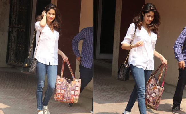 Take Notes From Janhvi Kapoor And Bring Out Your Jeans And Shirts