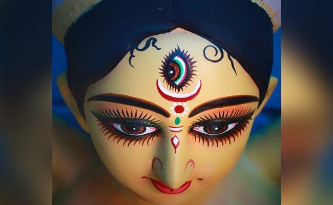 Navratri 2019: मां दुर्गा के 9 रंग, जानिए किस माता को भाता है कौन-सा रंग