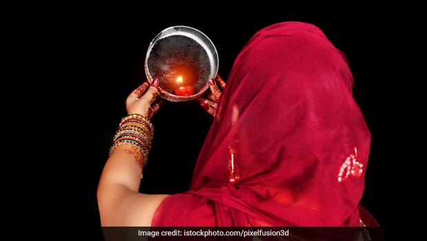 Karva Chauth Moonrise Time Today in Delhi, Mumbai, Bengaluru And In Your City