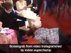 रणवीर सिंह अक्षय के साथ कर रहे थे डांस, तभी दिखे अमिताभ और लेट गए उनके कदमों में...देखें Viral Video