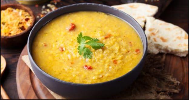 Indian Cooking Tips: अगर आप भी हैं गुजराती खाना खाने के शौकीन तो इस तरह घर पर बनाएं दाल ढोकली