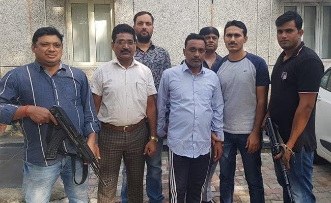 दिल्ली पुलिस की स्पेशल सेल ने अवैध हथियारों की तस्करी करने वाले गिरोह के सरगना को पकड़ा