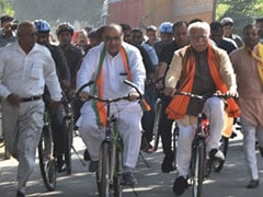 Haryana Election 2019: ML Khattar Takes Shatabdi Train To Karnal, Then Cycles To Polling Booth