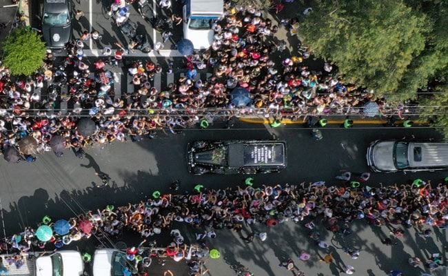 Thousands In Mexico Say Last Goodbye To Legendary Singer Jose Jose