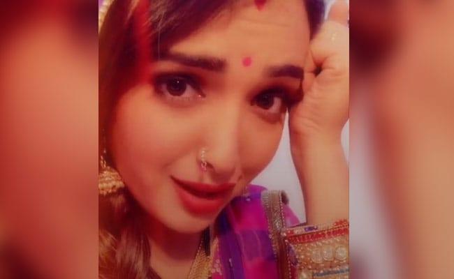 भोजपुरी एक्ट्रेस आम्रपाली दुबे ने TikTok पर मचाया तहलका, देखें उनके 5 धाकड़ Video
