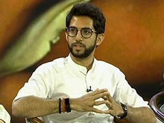 Aaditya Thackeray Meets Shiv Sena MLAs At Mumbai Hotel Over Government Formation