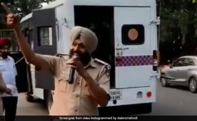 Chandigarh Cop Sings Daler Mehndi-Inspired 'No Parking' Song. He Responds