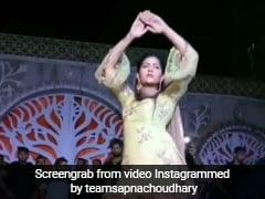 सपना चौधरी ने तूफानी डांस से स्टेज पर मचाई धूम, बार-बार देखा जा रहा देसी क्वीन का Video