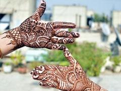Eid 2020: घर पर ही ऐसे लगाएं खूबसूरत मेहंदी, ये डिजाइन हैं बेहद सिंपल, देखें Videos