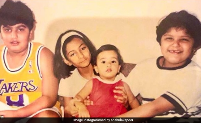 That's Arjun, Anshula, Janhvi And Rhea Kapoor In This Pic. Guess Who's Who