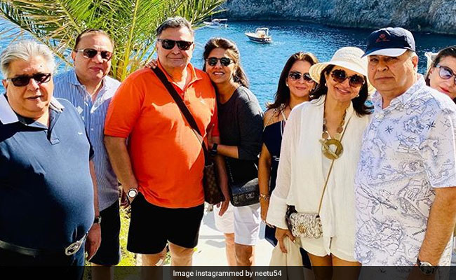 In Italy With Rishi Kapoor And Some 'Crazy Friends,' Only Neetu Kapoor Sounds Like...