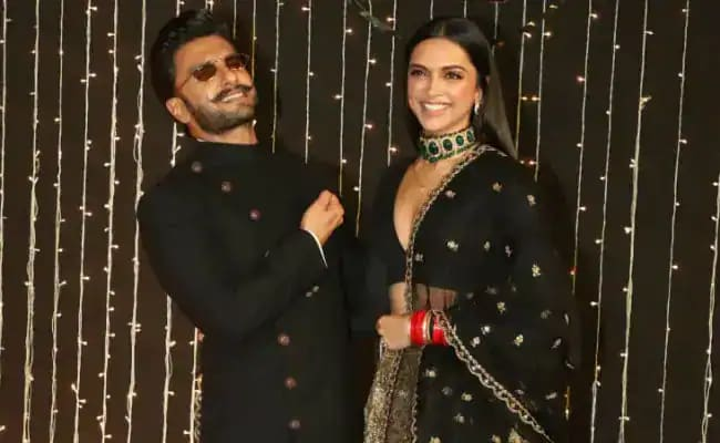 Ranveer Singh Helpfully Decodes Deepika Padukone's 'Is This The Time To Come Home' Look