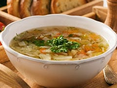 Healthy Diet: 3 Low-Calorie Vegetarian Clear Soup Recipes For A Light Meal