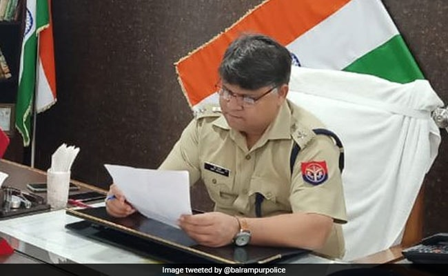 Apply Leave In English: UP Top Cop Asks Staff To Learn Basics Of Language