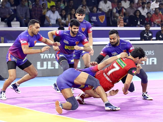 Pro Kabaddi 2019: In and exciting encounter Bengal makes cut in to final by beating to u mumba