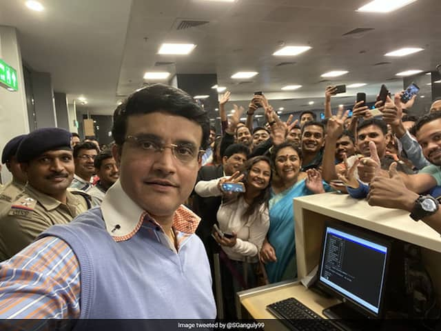 Sourav Ganguly Airport Selfie With Fans Wins The Internet