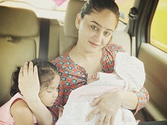 New Mom Mahhi Vij's Pic With Daughters Is Winning The Internet