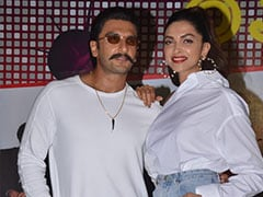 Ranveer Singh And Deepika Padukone Dance Like No One's Watching At <I>'83</i> Wrap Party