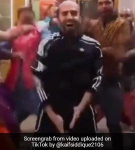 TikTok Top 5: आयुष्मान खुराना ने बिना बाल के किया 'Bala Dance', हंस पड़े लोग- देखें VIDEO