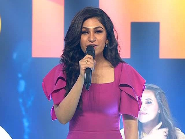 Watch: Singer Tulsi Kumar Performs Teri Ban Jaungi At Banega Swasth India Campaign