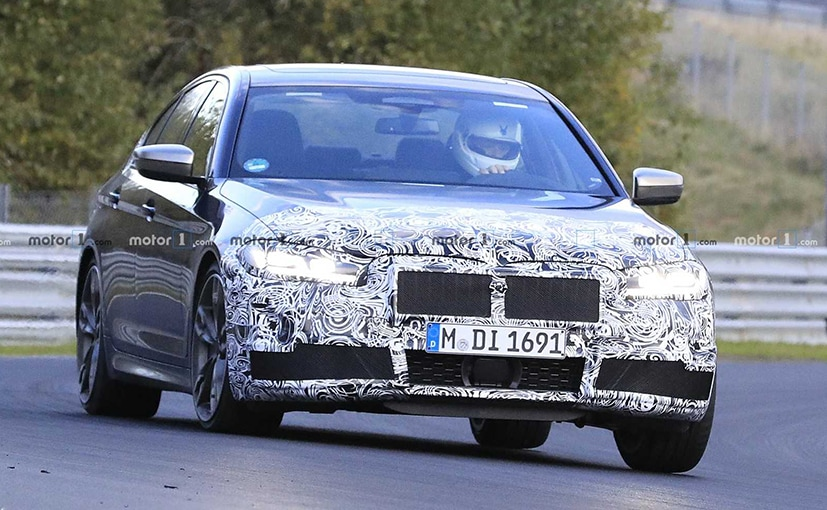 Upfront, the new BMW 5 Series gets new headlamps and probably a tweaked kidney grilles.