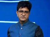 Video : Watch: Prasoon Joshi Recites Poem On <i>Swasth Soch</i> At Banega Swasth India Campaign