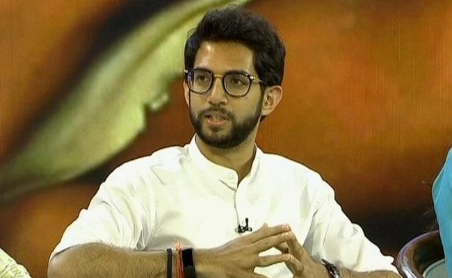 Aaditya Thackeray Meets Shiv Sena MLAs At Mumbai Hotel Over Government Formation