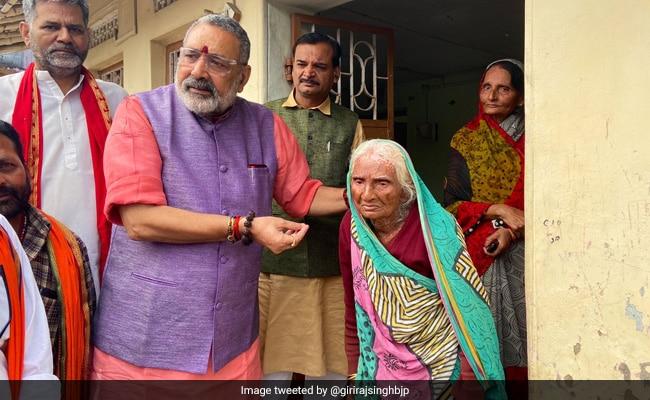 'This Can't Go On': Giriraj Singh, Tejashwi Yadav Attack Nitish Kumar