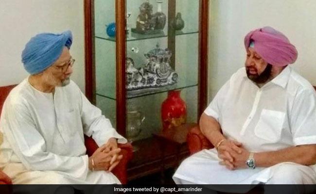 Guru Nanak Gurpurab 2019: Manmohan Singh, Union Ministers Part Of First 'Jatha' To Kartarpur Sahib