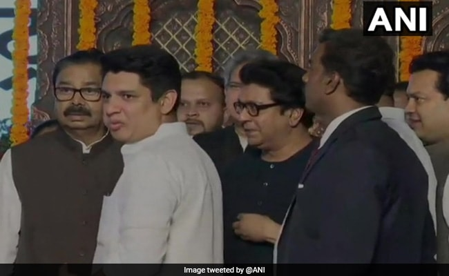 Raj Thackeray, Family Attend Cousin Uddhav Thackeray's Oath Ceremony