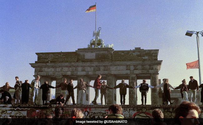 """On Berlin Wall Anniversary, Germany Asks US To Reject """"Egoism"""""""