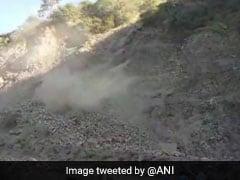 Jammu-Srinagar Highway Closed Due To Landslide, 3,000 Vehicles Stranded