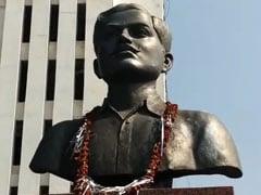 भोपाल में शहीद चंद्रशेखर आजाद की मूर्ति की जगह अर्जुन सिंह की प्रतिमा लगाने पर विवाद