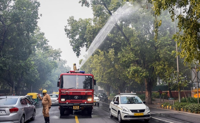 Supreme Court asks Delhi government to submit data on pollution levels