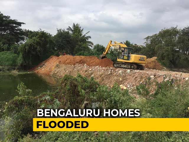 Video : 250 Bengaluru Homes Flooded After Lake Breach, Cars, Bikes Swept Away