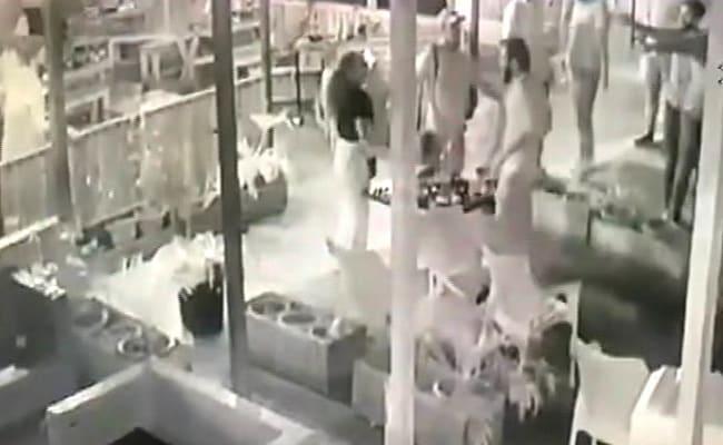 ஹரியானா மாநில உணவகத்தில் கணவரைத் தாக்கி மனைவிக்கு பாலியல் தொல்லை கொடுத்த 6 பேர்