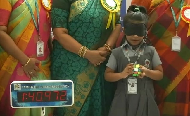 Chennai Girl, 6, Solves Rubiks Cube With Blindfold On-9029