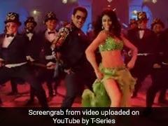 Dabangg 3: 'मुन्ना बदनाम हुआ' सॉन्ग रिलीज, चुलबुल पांडे ने 'नई मुन्नी' संग मचाया धमाल...देखें Video